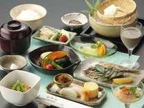 【夏の朝食】管理栄養士指導のもと、日本人の体に合ったバランスのとれた内容になっています