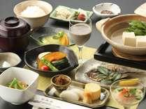 【冬の朝食】管理栄養士指導のもと、日本人の体に合ったバランスのとれた内容になっています