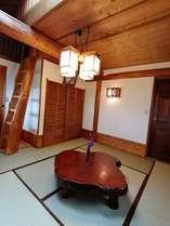 和室と天窓付きロフトの1番広いお部屋。「藤」