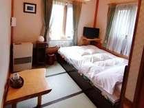 眺望が良いダブルベッドのお部屋。「菊」