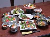 """お料理グレードアップ【2】""""海の幸""""""""山の幸""""の旬を堪能!特別料理コース/2食付"""