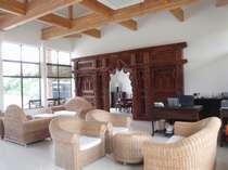 バリ島から直輸入のこだわり家具で南国ムード満点★
