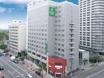 ベッセルホテル札幌中島公園の外観です。