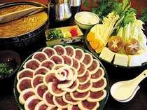 しゃぶしゃぶで食べる鴨肉(合鴨肉使用)はくせがなく食べやすい 仕上げの雑炊は絶品