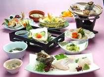 標準的な夕食です。旬の食材を使用します。(岩ガキ、生ウニなど)