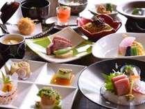 上質な食材を使い、職人が手間暇かけて作る夏の創作料理はクチコミ評価4.7を誇ります。