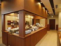 ◆レストラン会場は広々でゆったりとした空間♪