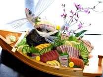 【春得】【今だけトビウオの御造り付】夕食は【地鶏すき焼き】&皿鉢を食す♪満点の星空を絶景露天で愉しむ