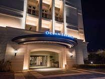 【*外観】結婚式場の最上階にあるホテルです。