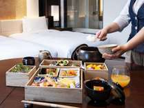 【朝食】全室インルームダイニングにてお部屋へご提供いたします。