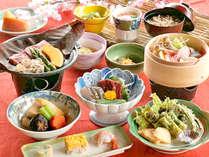 *地元の自慢の食材をを贅沢に取り入れた田舎風和会席です<一例>