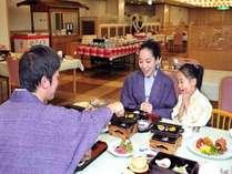 【なごみ和膳ではチョットさびしい、プチ贅沢なお食事を!!】 春の山菜と大山ルビー豚の会席