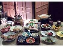 四季亭お勧め「黄金の湯プラン」 山海の美食を彩るご夕食