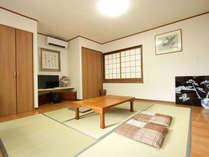 ・「ぼたん」の部屋:寝室・リビング・次の間の和室。ゆったりお寛ぎの部屋