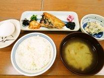 ≪朝食付≫地元食材たっぷり!炊きたて富山米コシヒカリと温かお味噌汁が好評♪