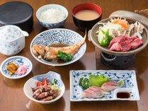 <夕食一例>富山ならではの食材を中心に日替わりで登場☆