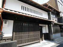 京都の伝統家屋「京町家」に貸切でご宿泊頂けます