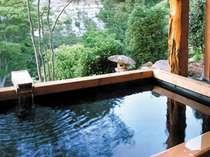 自然の中に溶け込んでいく。贅沢この上ない湯浴み。(男性露天)