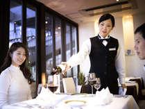 地元・長崎の五島産から世界のまで、お料理によく合うワインも多数ご用意いたしております