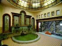 国の登録有形文化財「岩本楼ローマ風呂」