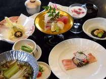 季節の和会席四季折々の旬な食材や徳島の名産品を使った油屋自慢の和会席