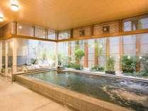 ジェットバス完備の女性大浴場(半露天付)
