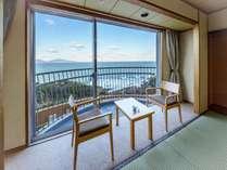 【夕陽側】和室からの景色!眼下に玄界灘が望めます♪【全客室ベランダ付、Wi‐Fi無料】