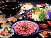 【夕食:牛すき焼きプラン】皆で囲めば何倍も楽しくなる♪味わい薫り立つとろける美味しさをご堪能!