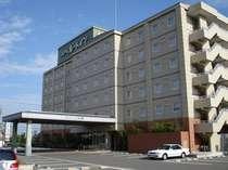 御前崎浜岡に堂々とそびえたつホテル。遠くからでもすぐ分かります!!