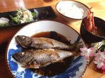 食事処松大丸さんの『地元おかあちゃんのスペシャル定食』一例