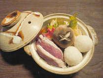 *【だまこ鍋(一例)】秋田名物「だまこ」が入ったご当地お鍋。
