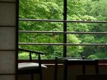木曽御嶽山麓、窓からは大自然が望めます。
