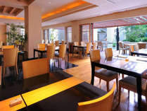 【真南風】旬の素材を使った会席料理をはじめ、沖縄料理や寿司など多彩な美味しさでおもてなしいたします。