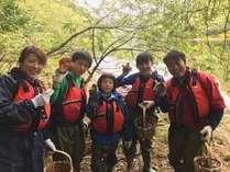 自然を満喫するならきのこ狩り体験が一番♪ラフティング&キャニオニング体験もできるTOP水上カンパニー