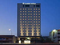 夜のカンデオホテルズも一際目につく綺麗さ