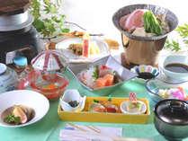 季節の会席一例(2015夏)地元の山の幸を使った10品程度の会席料理。