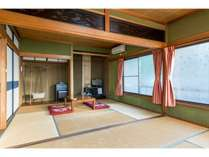 畳のお部屋はお子様連れのお客様にも喜ばれます。