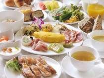 品数豊富な有機野菜を使った朝食ビュッフェをお召し上がり下さい。