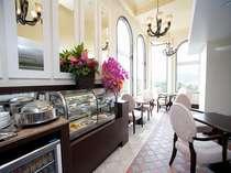 エグゼスフロアご利用のお客様は滞在中、軽食・ドリンクのサービスをご用意いたしております。