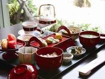 スパスイートご宿泊特典★『長寿朝食』をルームサービス致します。