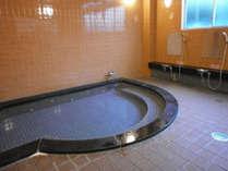 大浴場 手足をぐーっと伸ばして疲れを癒してください。