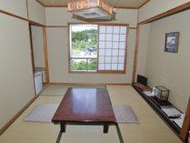 【和室】海側のお部屋からは西郷湾を一望できます。