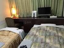 定員2名様まで:シングルルームにエキストラベッドとしてソファーベッドを使用してのツイン