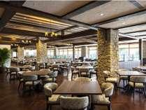 【レストラン】ガーデンプールを望むレストランで、鹿児島の豊かな旬味をお愉しみください。