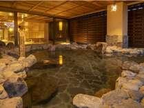 名湯・霧島温泉を多彩な湯処で満喫。お肌がすべすべになるとお客様からのお声をいただいております。
