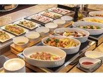 【朝食】バイキング※洋食と和食を取り混ぜたお料理を80種類ご用意しております。