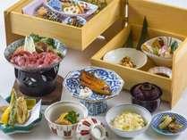 【夕食】和食(一例)※箱膳(一の重・二の重)を含め8品のお品数になります。