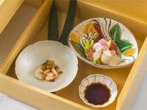 【夕食】和食(一例)四季折々の食材でご提供致します。