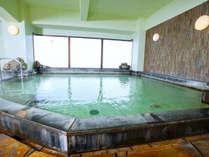 【サンバリー館 展望風呂・男湯】ビジネスタイプのホテルに天然温泉がついてる贅沢。