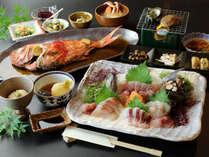 伊豆の海の幸を中心に、オーナー夫妻が腕によりをかけて作った豪華料理です♪